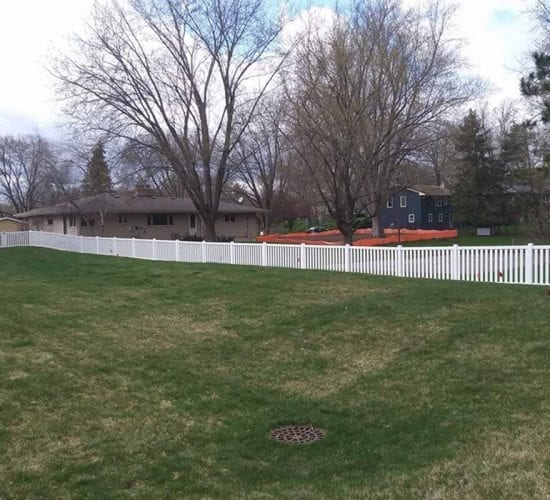 White Vinyl Picket Fencing Minnesota