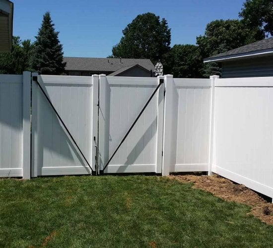 6 White Vinyl Privacy Fence Double Drive Gate