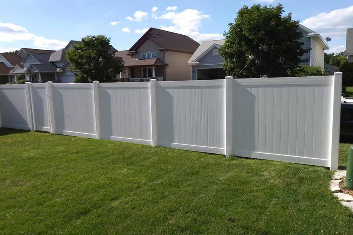 6 White Vinyl Privacy Fence